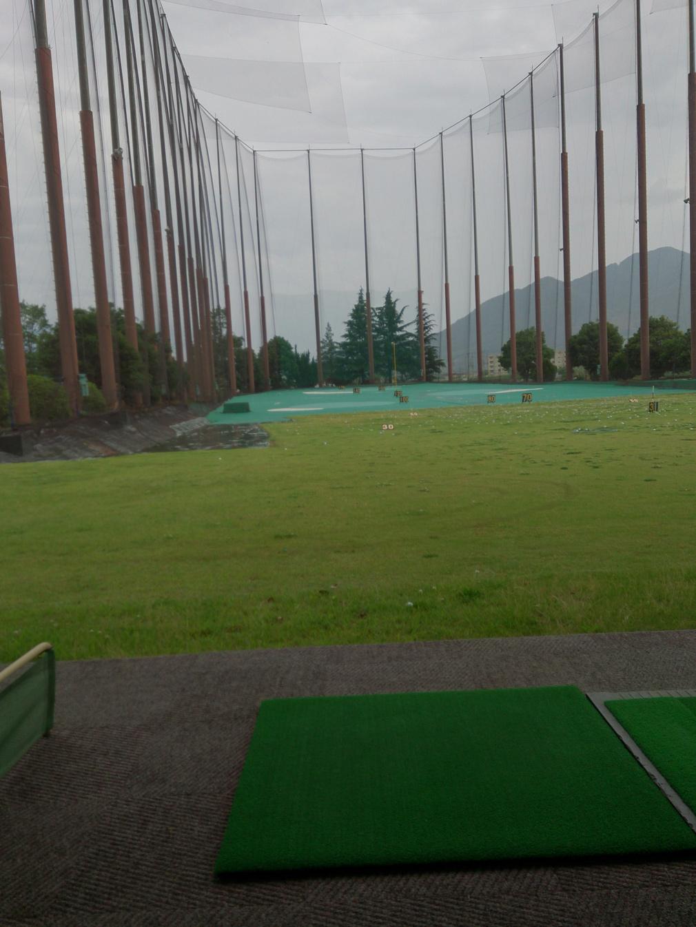 ただいまゴルフコンペに向けて練習中!